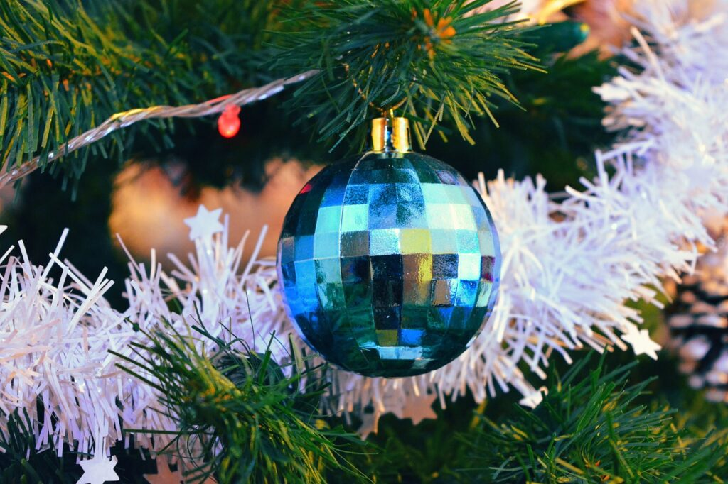 christmas tree decoration tips